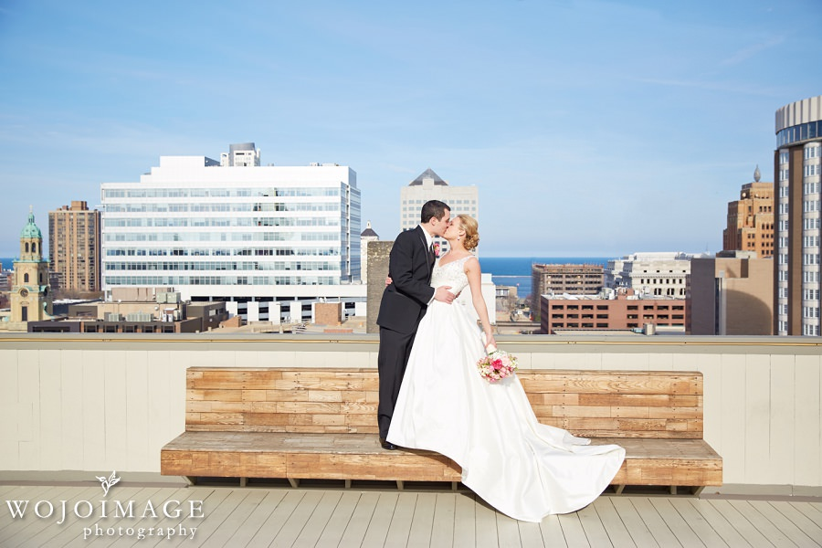 Milwaukee Athletic Club Rooftop Wedding Photos