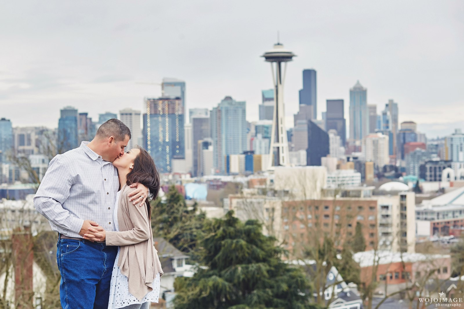 Kerry Park Seattle Engagement Photos