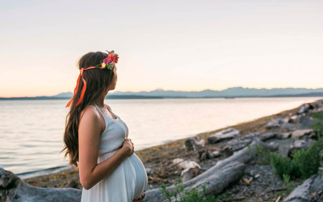 Jesse and Sienna-Seattle Maternity Photographer